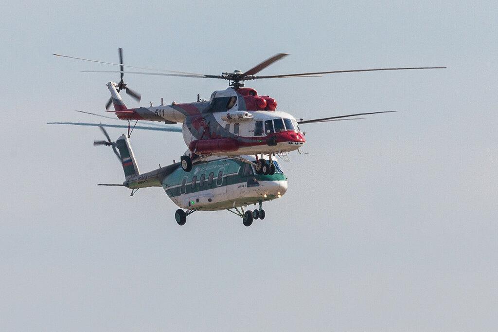 Начало демонстрационной програамы, пролет вертолетов