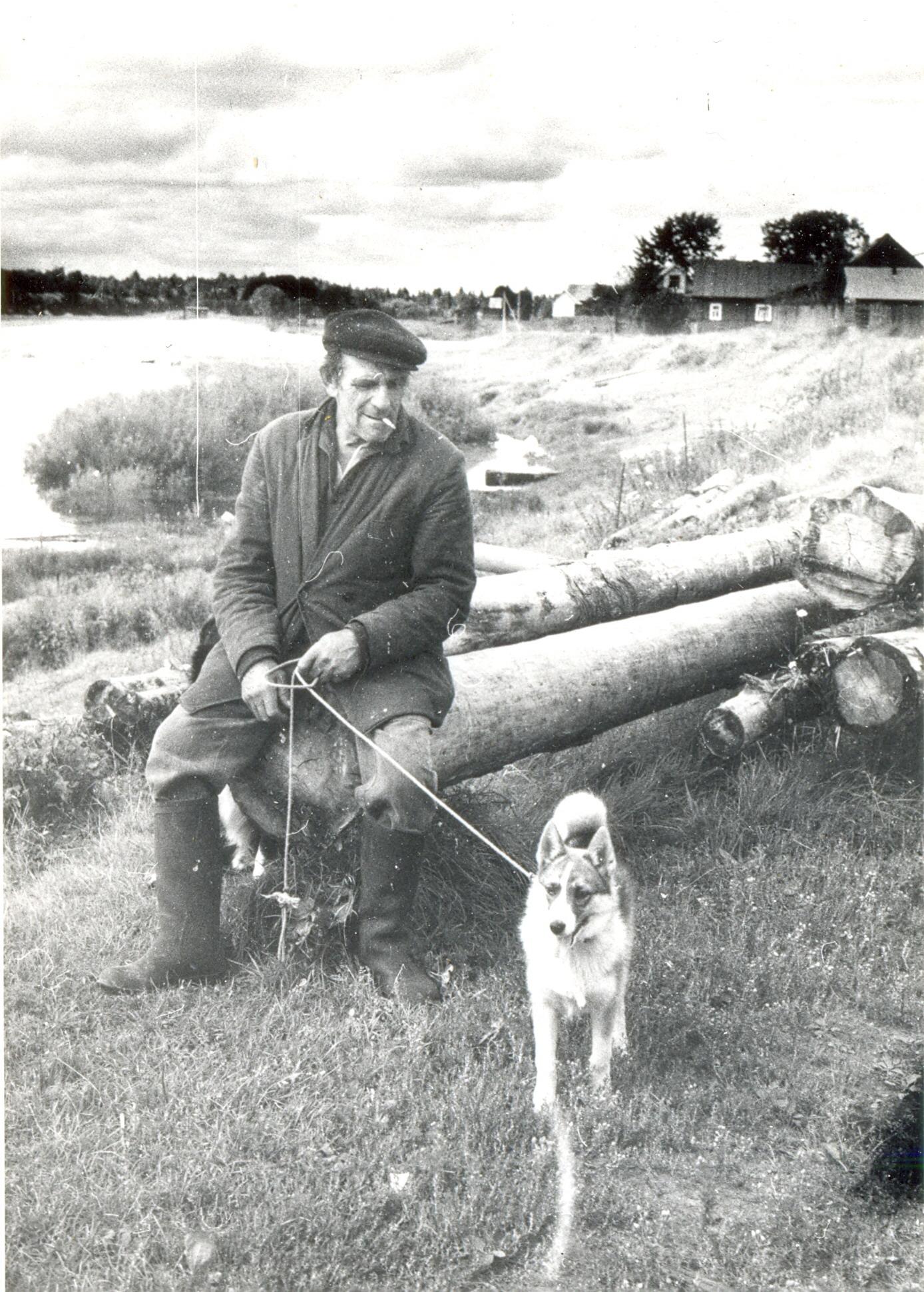 1991. На берегу реки Чагодощи