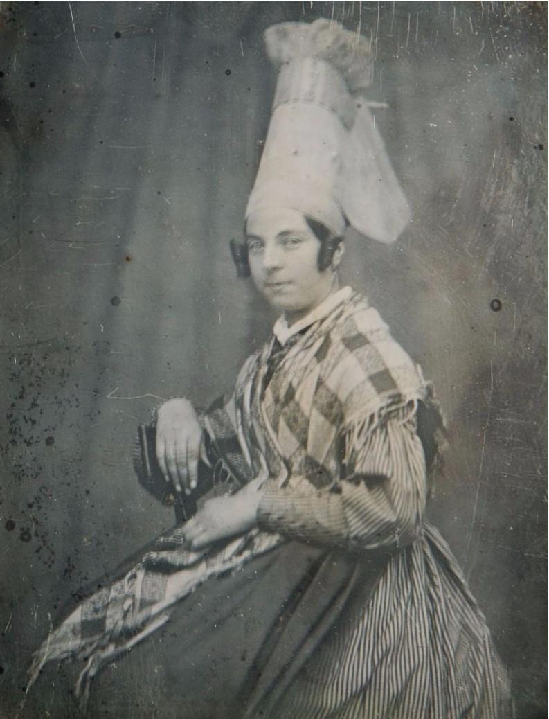 1846. Франция. Лизьё. Женщина в традиционном головном уборе