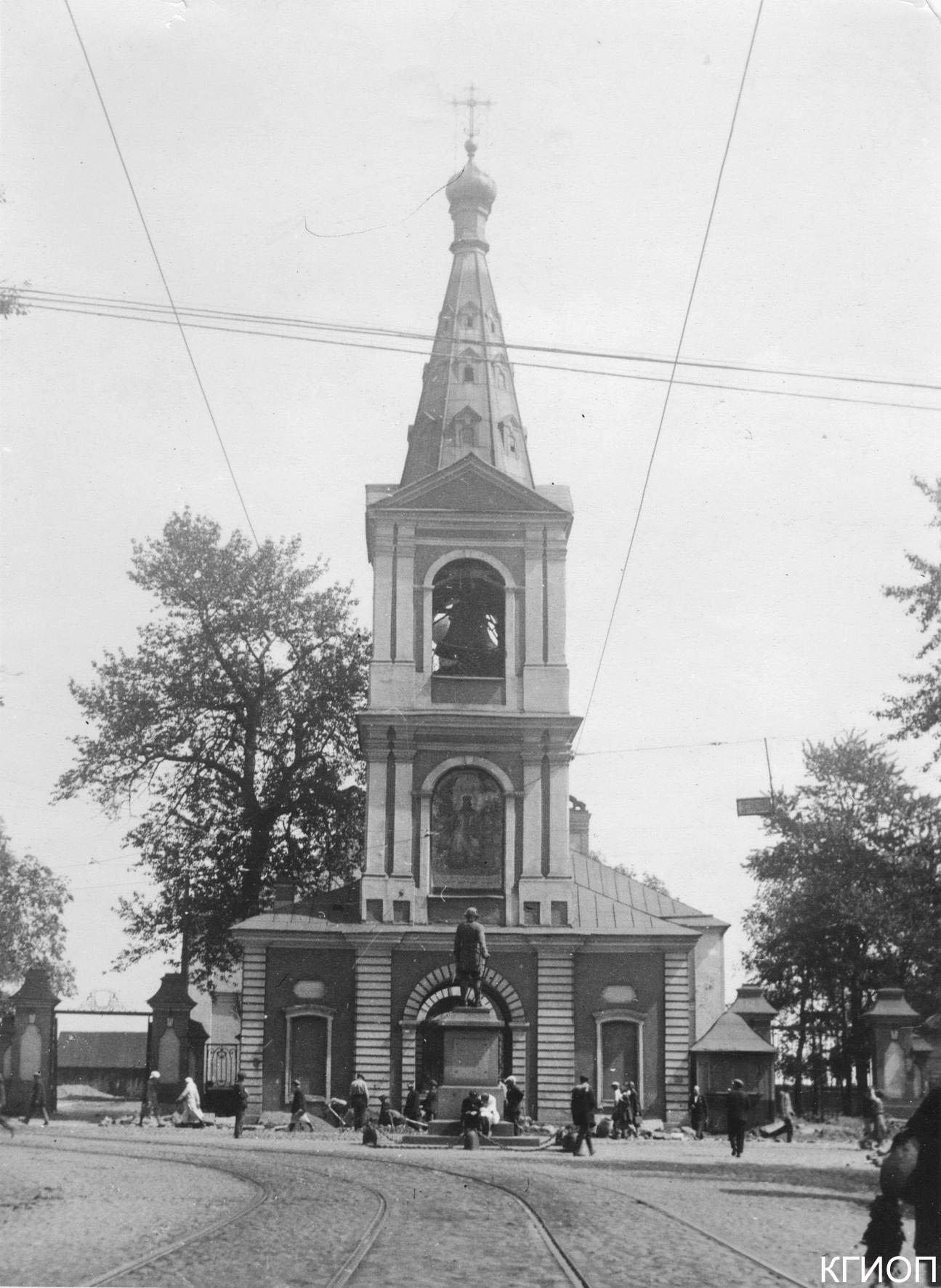 11. Памятник Петру I у Сампсониевского собора. Большой Сампсониевский пр., 41