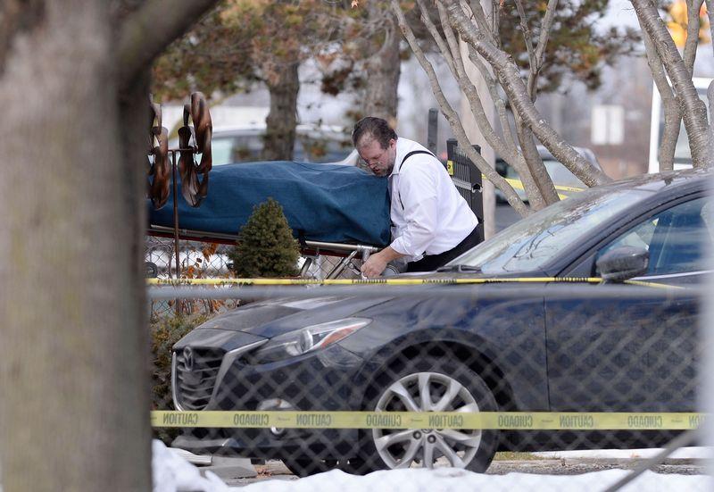 Модель застрелила двоих детей и мужа, затем покончила с собой