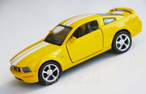 Кинсмарт форд мустанг с полосками