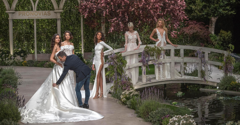 Роми Стрейд в свадебном платье