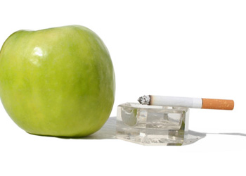 Ученые выяснили, что фрукты несовместимы с курением