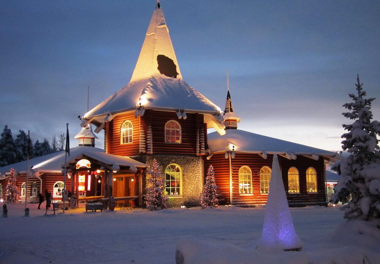 Дом финского Деда Мороза Йоулупукки в Лапландии.