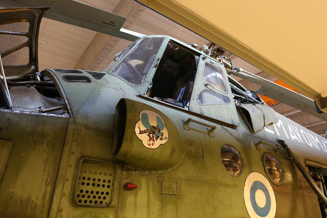 Вертолёт Ми-4А спасательной службы ВВС Финляндии (Финский музей авиации в Вантаа)