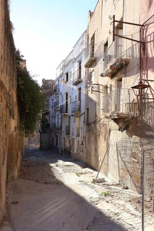 Tortosa, the Gypsies ' quarter and the slums
