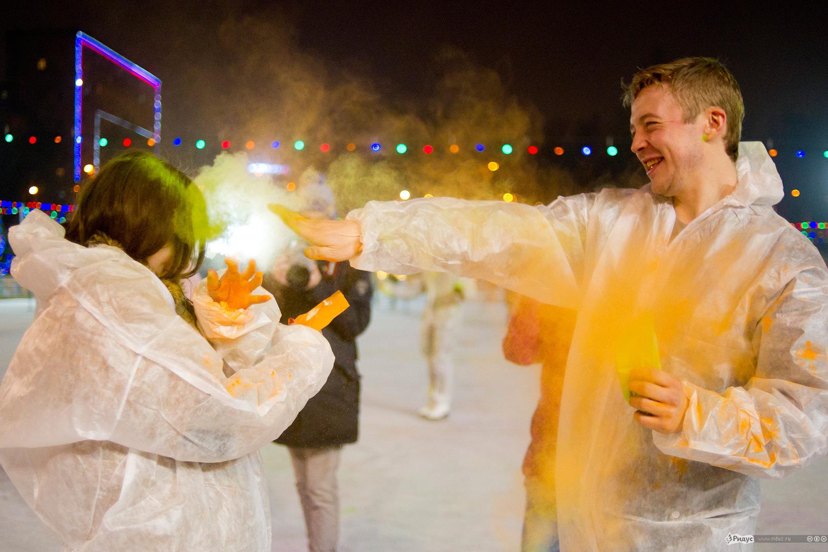 Фестиваль Красок ColorFest - Холи яркий лед, Москва, каток СТС, 14 февраля 2014 года