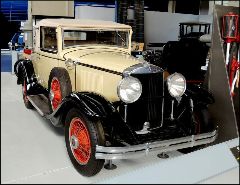 Autoworld 8094 Graham Model 621 1929