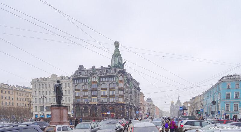 Дом Зингера, он же Дом Книги. Где-то там теперь логово ВКонтакта...