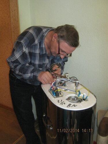 Запутывание проводов - обычное дело при ресонте титана
