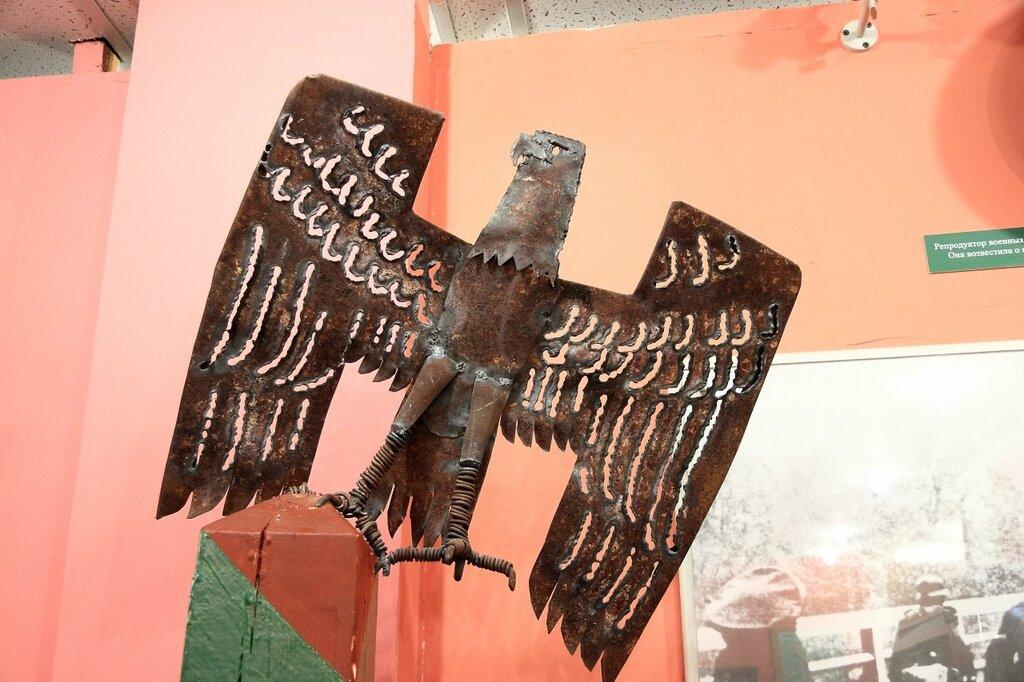 Немецкий орел на пограничном столбе
