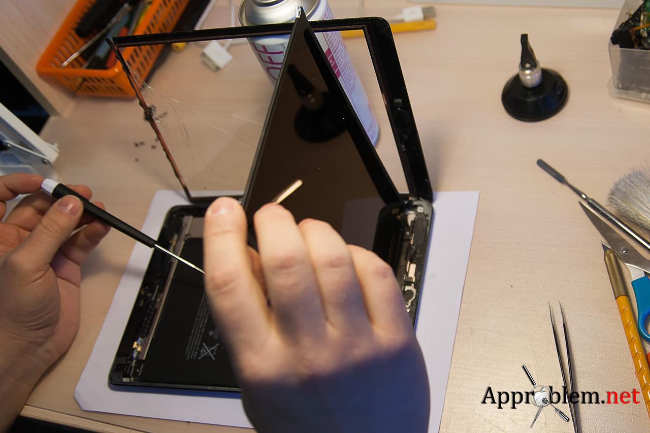 как заменить разбитое стекло дислей iPad Air