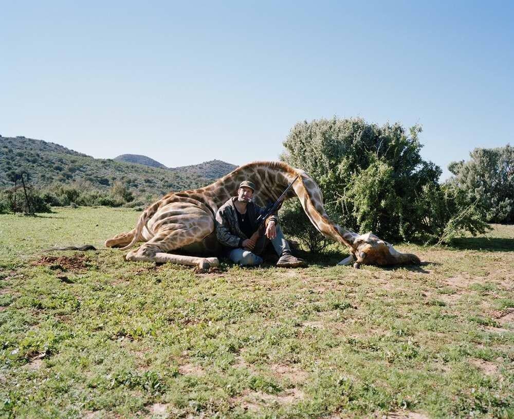 Охотник с жирафом, Ледисмит, Южная Африка