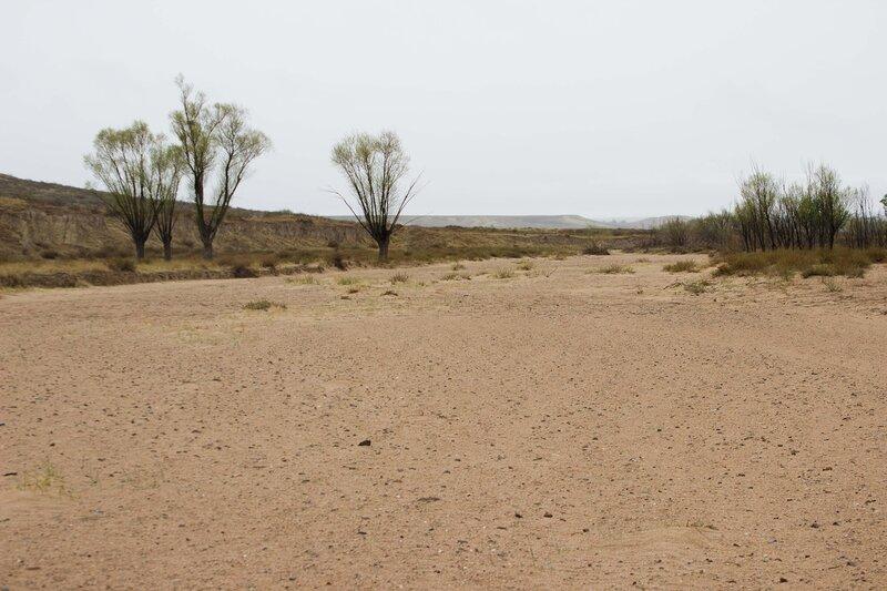 сухая река на плато Ордос, Внутренняя Монголия