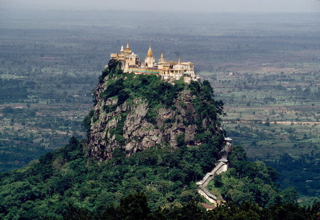 Монастырь Таунг Калат. Мьянма