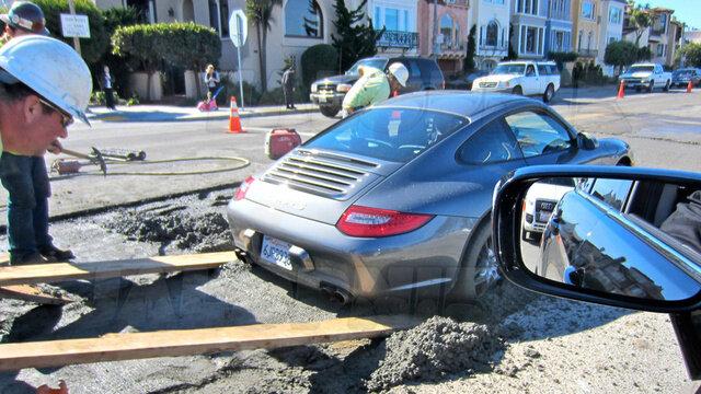 Porsche в цементе