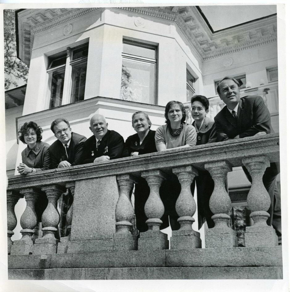 Хрущев и его родственники. 1961