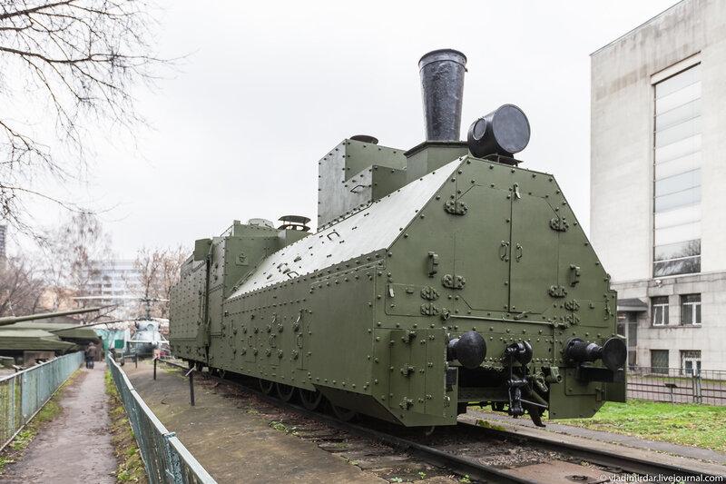 Бронепаровоз и бронепоезд Красновосточник