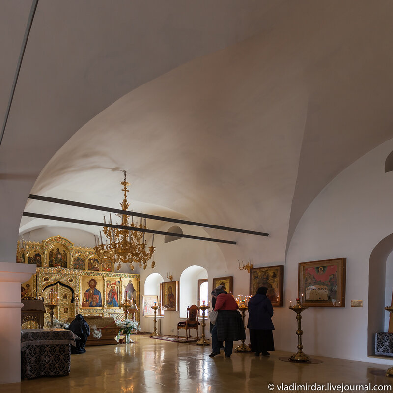 Зачатьевская трапезная церковь Покровского монастыря в Суздале
