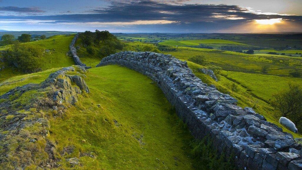 Hadrians-Wall-2.jpeg