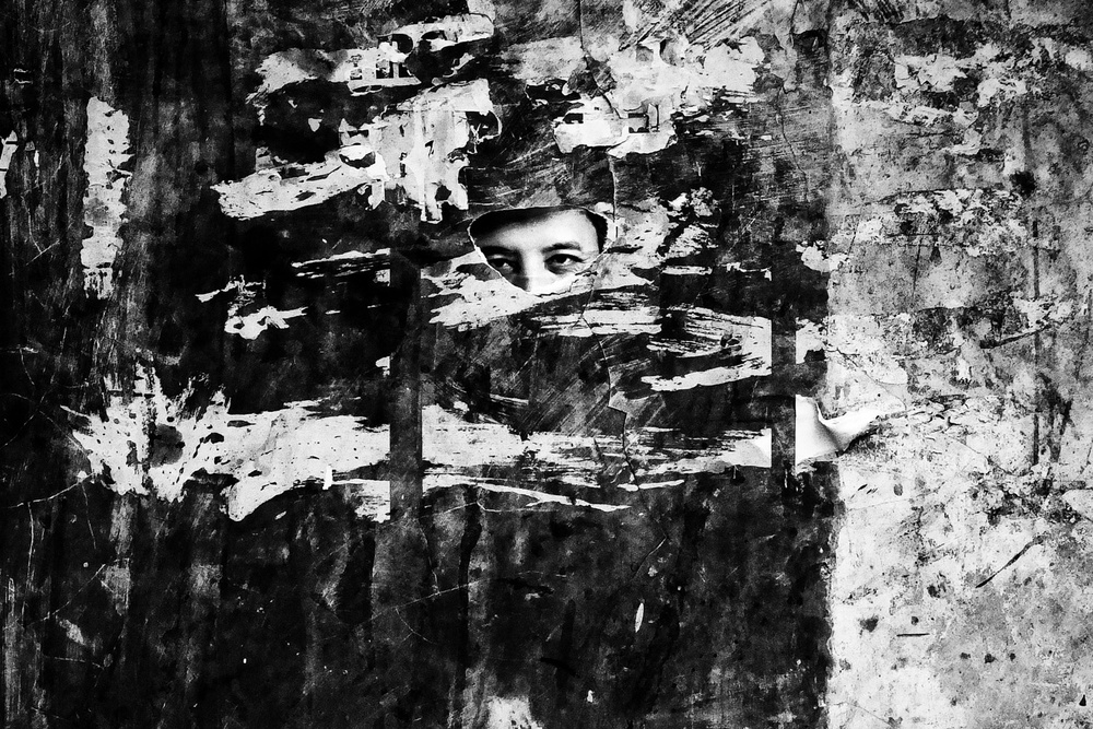 Сюрреалистичные ночи и случайные персонажи в фотографиях Аджи Сусанто Анома