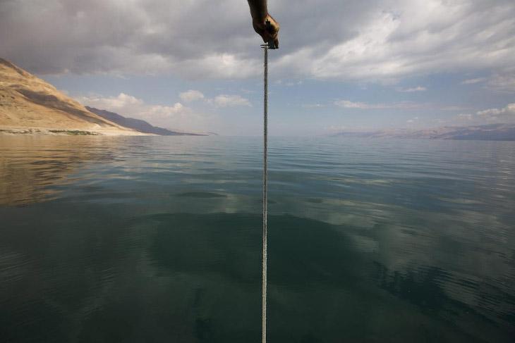 Первое упоминание названия «Мёртвое море» найдено в трудах древнегреческого учёного Павсания, жившег