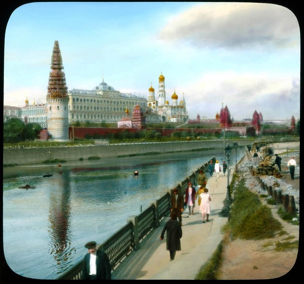 Вид на Кремль от Большого Каменного моста.