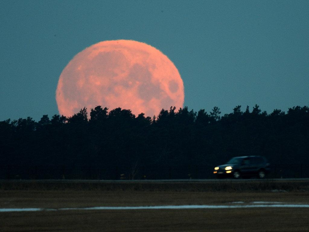 Вночь напонедельник воронежцы увидят наибольшую Луну за70 лет