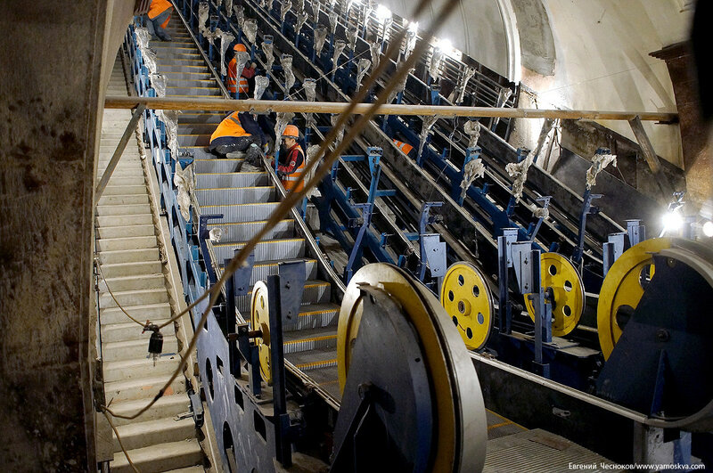 Метро. Красные ворота. эскалатор. 18.12.16.03..jpg