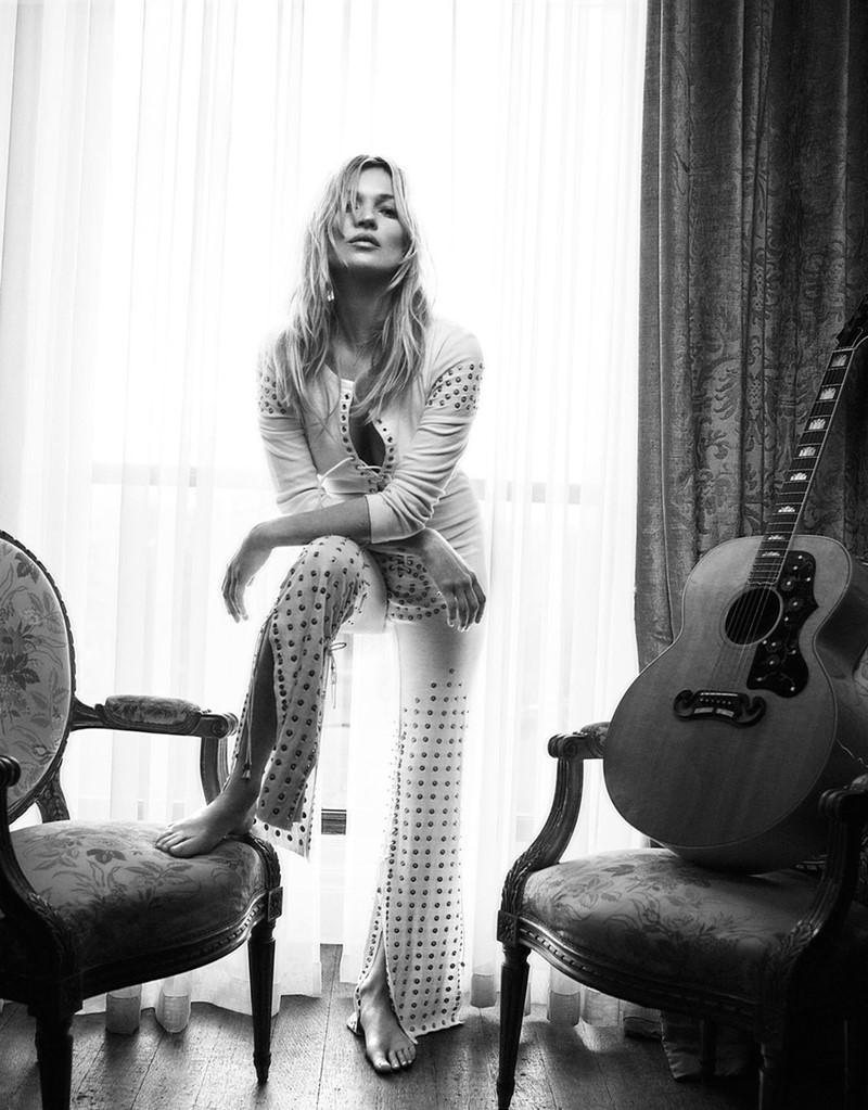 Кейт Мосс Vogue UK (май 2016) фото 3