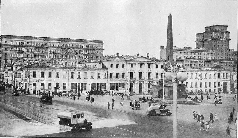 213367 Советская площадь в предвоенные годы 37-38.jpg