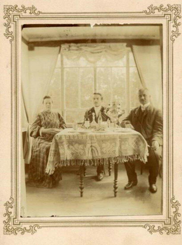 1900-е. Чаепитие на даче