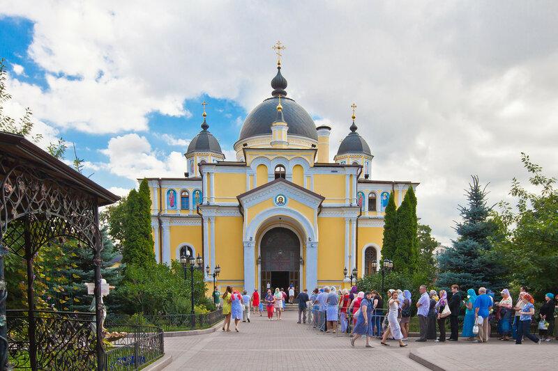 Церковь Вознесения Словущего. Покровский монастырь.