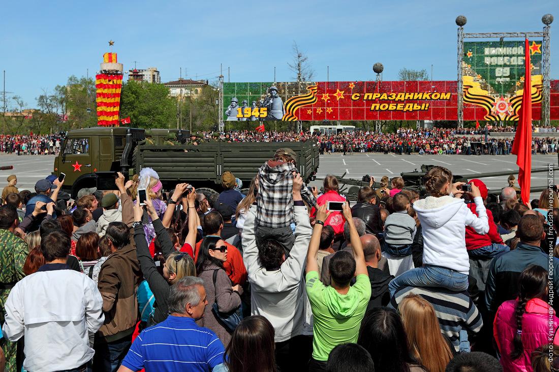 Военный парад в честь 69-й годовщины Победы в Великой Отечественной войне в Волгограде
