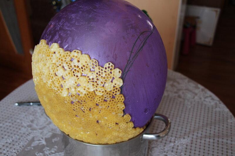 Надуваем шарик, ставим его в