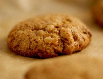 Приготовитъ овсяное печенье очень просто