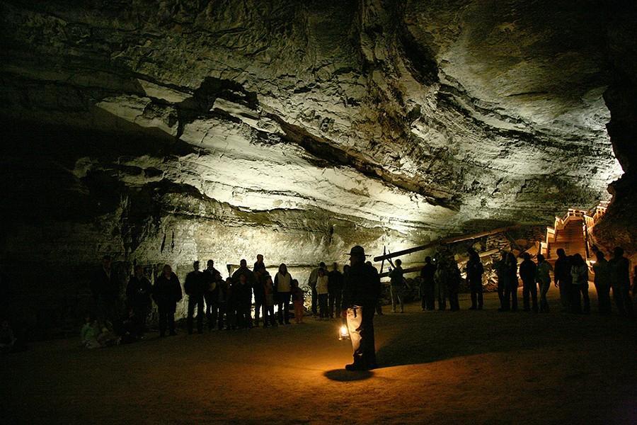 6. Неудивительно, что пещера получила прозвище «известняковый лабиринт», потому что за каждым поворо