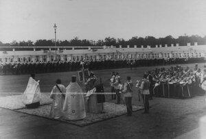 Освящение нового штандарта  полка на параде в день празднования  200-летнего юбилея полка.