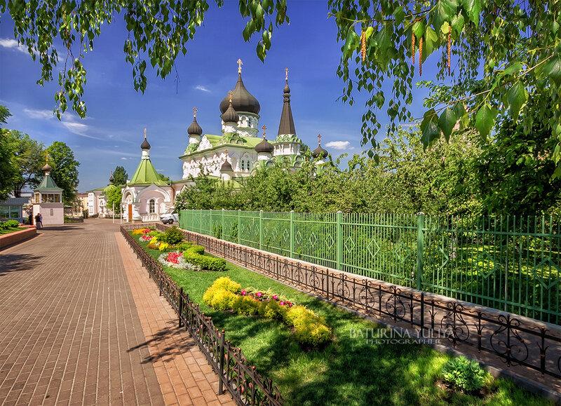 Солнечный май в Покровском монастыре