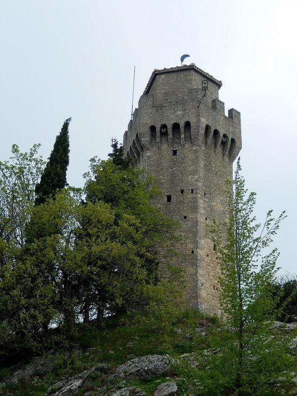 башня Монтале