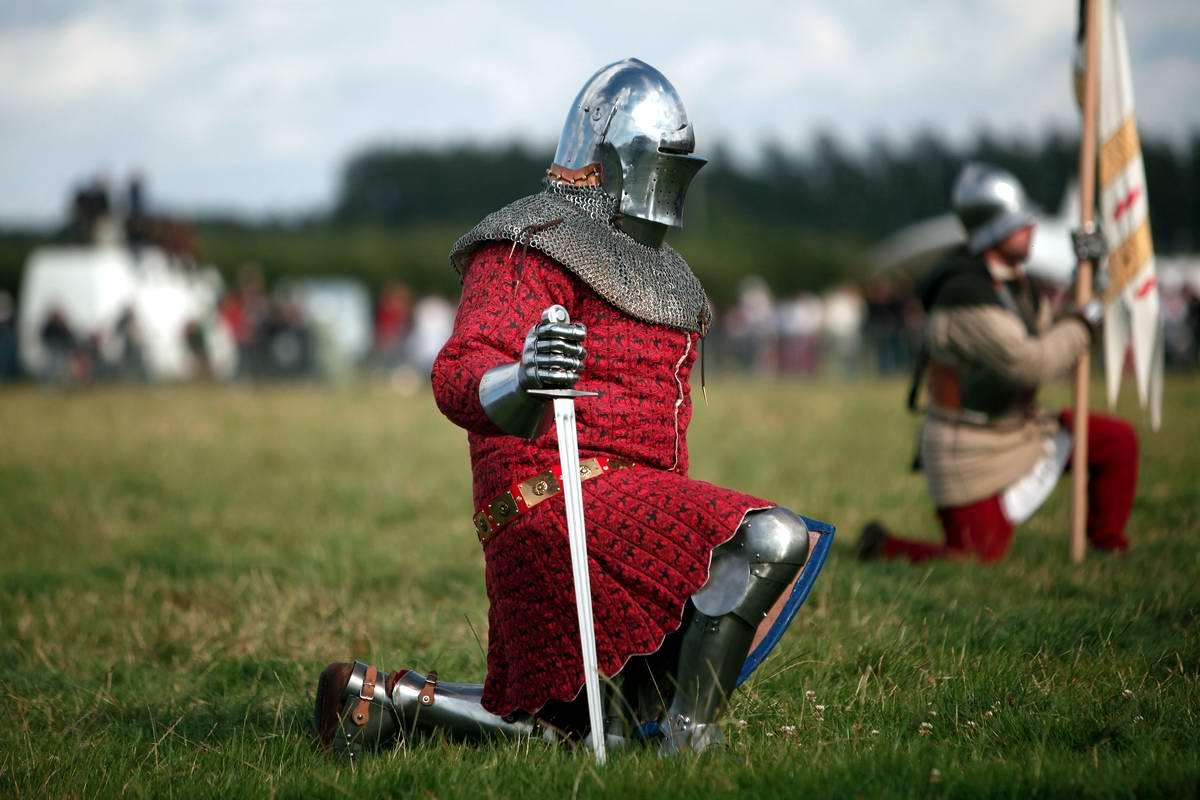 Эпизоды Столетней войны: Реконструкция битвы при Азенкуре в Северной Франции (11)