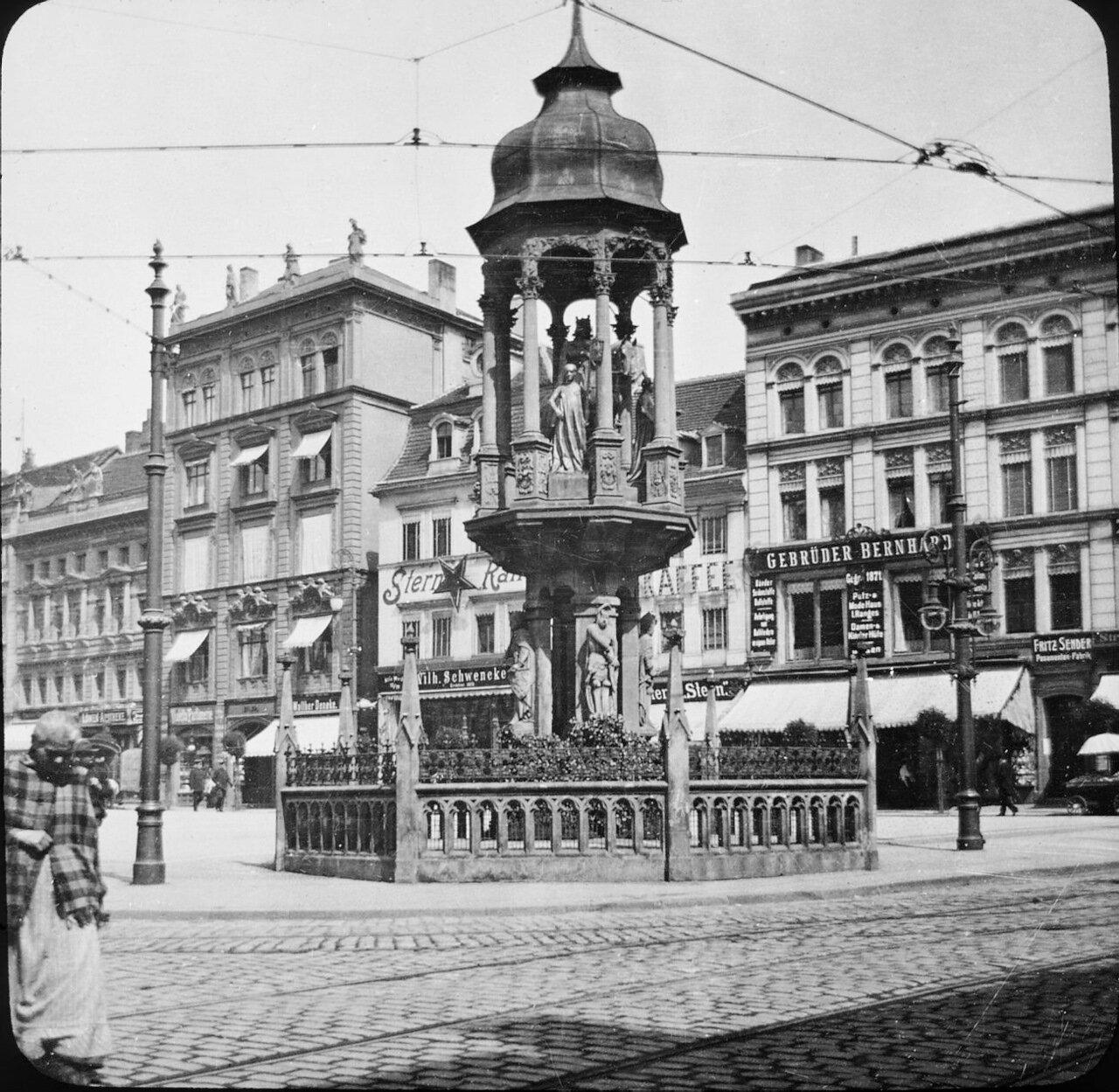 Магдебург. Кайзер Отто Штрассе. Статуя Магдебургского всадника, 1902