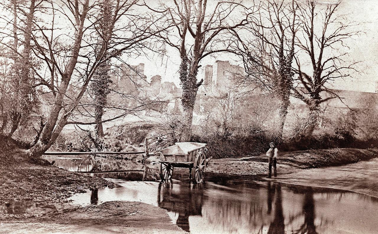 Замок Кенилуэрт, вид от ручья. Великобритания, 1864