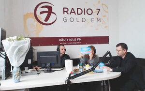 «Гостиная онлайн» — разыгрывает подарки в 8-му марта вместе с «TopMEDIA»