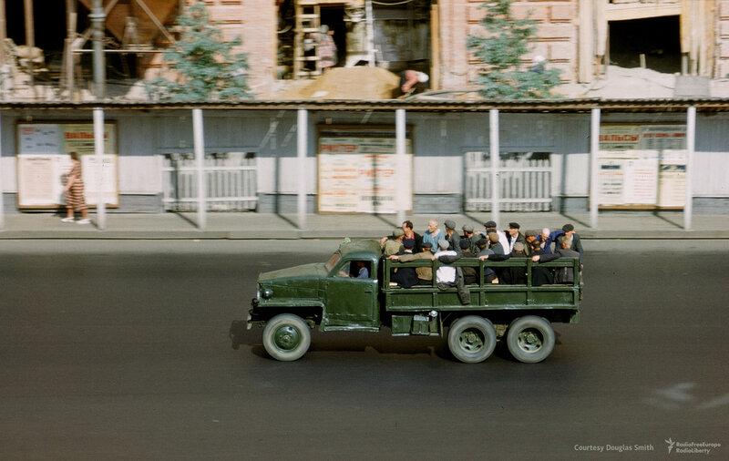 Новинский бульвар, 18, напротив посольства США. Москва, Martin Manhoff.jpg