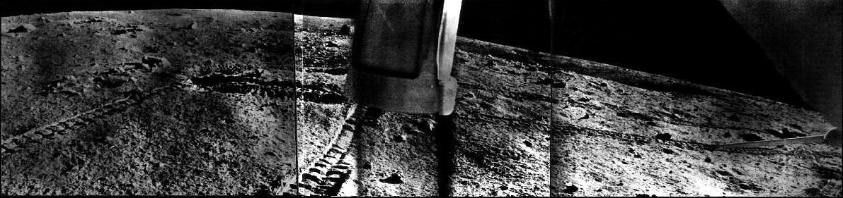 Панорама, снятая с Лунохода-1