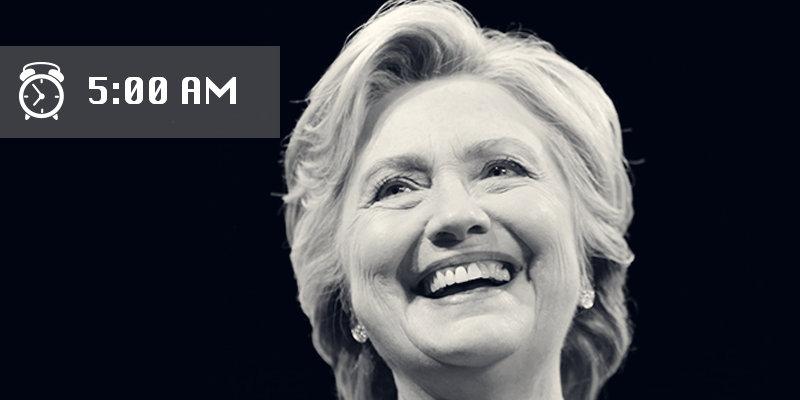 Хиллари встает каждое утро в 5:30 утра. Она говорит, что иногда по утрам ей хочется поспать еще 5 ми