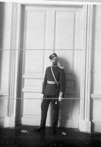 Обер-офицер батальона В.В.Новиков в форме образца 1907 года.