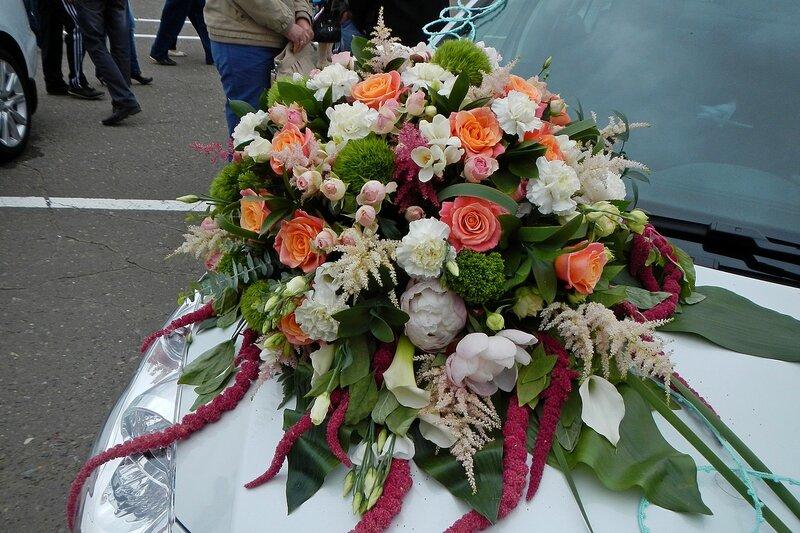 Букет на машине для конкурса флористов Свадебная феерия в рамках фестиваля Цветы Вятки